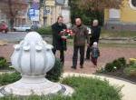 Koszorúzás a megemlékezés virága-emlékműnél és az 1956-os emléktáblánál 04