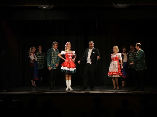 Nőnapi operettgála 7
